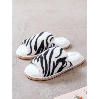Тапочки «Зебра» черные