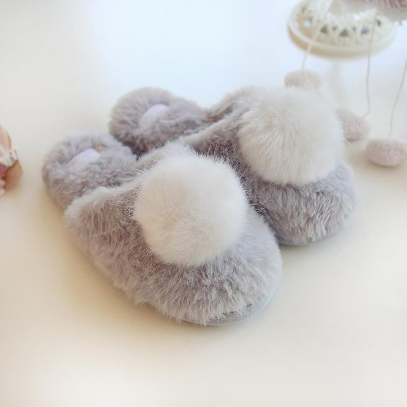 slippers-pompoms-5-800x800.jpg